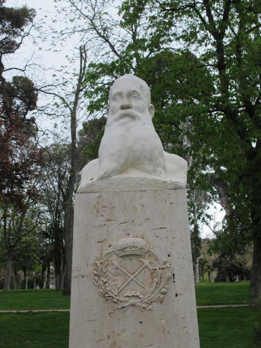 Estatua de Ricardo Codorniu en el Retiro